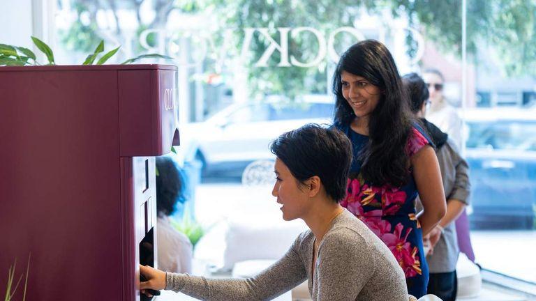 В Сан-Франциско открылся первый pop-up-салон с мастером-роботом